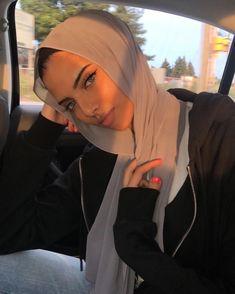 Hajib Fashion, Modern Hijab Fashion, Street Hijab Fashion, Muslim Fashion, Modest Fashion, Mode Turban, Arabian Women, Fire Hair, Hijabi Girl