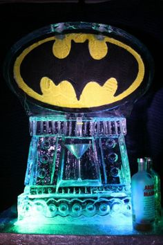 5 Awesome and Geeky Ice Sculptures - Neatorama Ice Sculpture Wedding, All Batmans, Batman Love, Wayne Enterprises, Thomas Wayne, Bob Kane, Snow Sculptures, American Comics, Cool Art