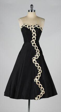 vintage 1950s dress . black strapless . by millstreetvintage