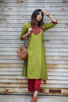Printed Kurti Designs, Silk Kurti Designs, Churidar Designs, Kurta Designs Women, Kurti Designs Party Wear, Kurti Back Designs, Indian Fashion Dresses, Dress Indian Style, Indian Designer Outfits