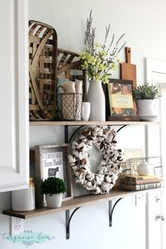 Tips for styling farmhouse style shelves. (Use to display my barrel oak cutting board, Longenberger baskets, etc)