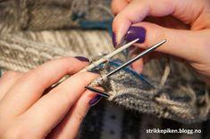 Strikkepiken – Perfekte knapphull til doble stolper Kids And Parenting, Knitting Patterns, Knit Patterns, Knitting Paterns, Knitting Stitch Patterns, Crochet Pattern