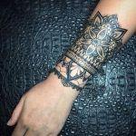 tatuaggio-braccialetto-mandala-sul-polso - Lei Trendy