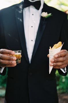 Serve your guests fish & chips with a shot of beer for a wedding appetizer they'll love! | Braedon Photography