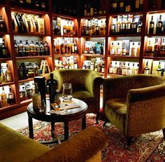 that's a whisky room Whiskey Lounge, Whiskey Room, Bourbon Bar, Whisky Bar, Home Wet Bar, Bars For Home, Whisky Regal, Wine Cellar Design, Basement Remodel Diy