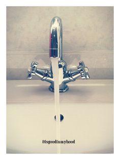 http://itisgoodinmyhood.blogspot.nl/2014/12/water-drinken-doe-je-zo-beter-voor-het.html