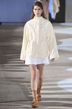 Cédric Charlier Spring 2016 Ready-to-Wear Collection Photos - Vogue