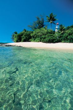 Australia > List of Australias Top Islands at the link, Including Green Island, Fitzroy Island, Frankland Islands, Low Isles and stunning Lizard Island.. where Royals have been known to stay. also Islands off Cape York , Dunk Island Bedarra Island, Hinchinbrook Island, Orpheus Island this link will also give you details on the history of the Islands. http://tools.cairns.com.au/activities/islands-island-tours.php