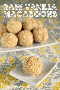 Raw vanilla macaroons