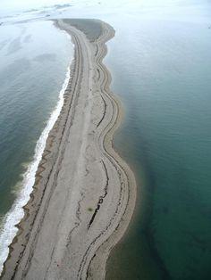 Le Sillon de Talbert !! Le Sillon de Talbert est un cordon littoral formé de galets et de sable situé dans les Côtes-d'Armor sur la commune de Pleubian. Wikipédia