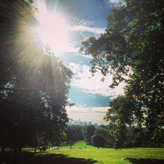 A sunny afternoon in Primrose Hill, #London 24°C I 75°F #BurberryWeather