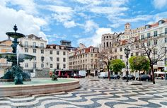 Real estate in Lisbon. Again and again, the beauty of Lisbon proves its stamina and relentless spirit. True pioneers, the capital's legacy prevails, and always with style.