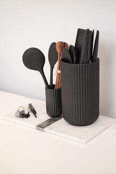 Large Marble Tray - White/Black – The Line Kitchen Jars, Kitchen Items, Home Decor Kitchen, Kitchen Tools, Kitchen Gadgets, Kitchen Interior, Black Kitchen Decor, Cooking Gadgets, Kitchen Floor