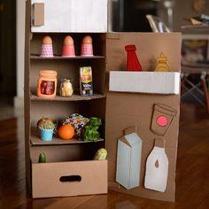 nevera de cartón estefimachado Cardboard Kitchen, Diy Cardboard Furniture, Cardboard Toys, Kids Play Kitchen, Diy Kitchen, Easy Crafts, Diy And Crafts, Paper Crafts, Kindergarten Art Projects
