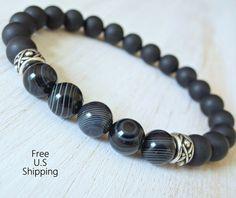 Mala bracelet, Mens bracelet, Onyx bracelet, protection bracelet, strength bracelet Made with: 8mm matte onyx and Banded Agate bali style
