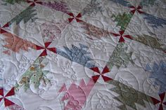 Vintage Style Bed Quilt 72x79 Sawtooth Quilt by MagpieQuilts.