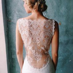 Claire Pettibone wedding dress with dramatic lace back ~ ♡