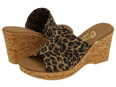 Step out in high style in the charming Christina slide from Onex®.