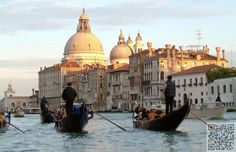 13. Take a #Gondola Ride in Venice, #Italy - 31 Things to do in #Europe before You Die ... → #Travel #Modern
