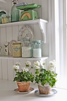 Vintage Kitchen VIBEKE DESIGN is a site in either sweden or norway (just a guess). Love the white geraniums in terracotta. Cottage Living, Cottage Style, Country Decor, Farmhouse Decor, Kitchen Decor, Kitchen Design, Kitchen Ideas, Vibeke Design, Graphisches Design
