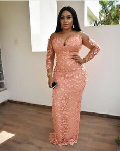 40 African Fashion Party Dresses : Sparkly Sweetheart Styles to Look Glamour. Hi ladies, check out this collection of African fashion party dresses designs for your weekend vibes. Aso Ebi Lace Styles, African Lace Styles, Lace Dress Styles, African Lace Dresses, Latest African Fashion Dresses, African Print Fashion, Ankara Styles, African Prints, Aso Ebi Dresses