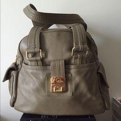 Marc Jacobs Shoulder Bag Army green Marc Jacobs shoulder bag. Great bag to take to work! A lot of space. Marc by Marc Jacobs Bags Shoulder Bags