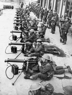 3960 best great photos from the 2nd world war images on pinterest british army france 1940 f 3273 vickers machine guns of 7th battalion cheshire regiment publicscrutiny Image collections