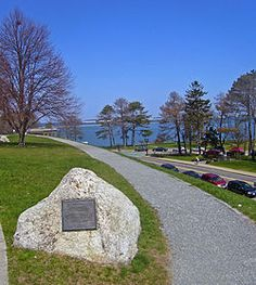 Cole's Hill - Cole's Hill is the site of the burial ground of the Pilgrims. Those who died in the first winter of the Plymouth Colony (1620–21) were buried there.