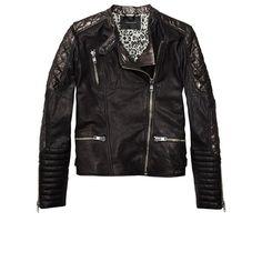 Perfecto negro con cremallera en los puños, hombros acolchados y tres bolsillos (272,95 €), de Maison Scotch.