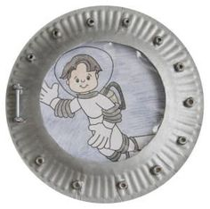 paper plate astronaut into space! You could use a photo of each child in the middle for an awesome bulletin board.