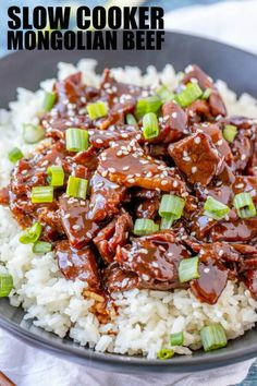 Easy sweet and full of flavor this Slow Cooker Mongolian Beef is the perfect weeknight recipe to feed the whole crowd. A copycat takeout dish that saves you money! Healthy Crockpot Recipes, Slow Cooker Recipes, Gourmet Recipes, Beef Recipes, Dinner Recipes, Beef Meals, Crockpot Ideas, Easy Weeknight Meals, Gastronomia