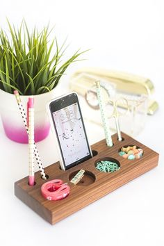 Make This Desk Organizer