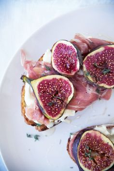 Goat Cheese, Prosciutto and Fig Tartines | Renée Kemps