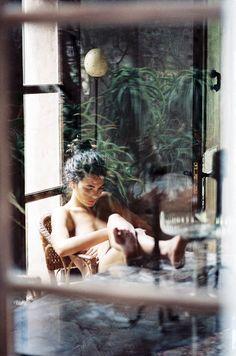 girls + books. by quentin de briey