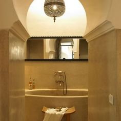 Exceptional property for sale : Top boutique riad hotel in Marrakech (Morocco, Marruecos, Maroc) Moroccan Theme, Moroccan Design, Moroccan Style, Riad Marrakech, Bathroom Spa, Bathroom Styling, Luxurious Bedrooms, Beautiful Bathrooms, Kitchen And Bath