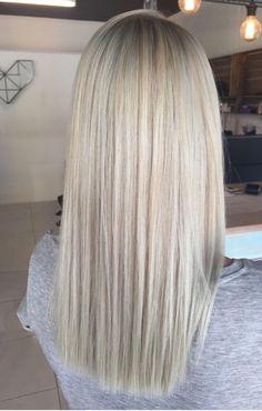 H - cabelo - cabelos - Hellblonde haare - Blonde Hair Shades, Blonde Hair Looks, Light Blonde Hair, Platinum Blonde Hair, Sandy Blonde Hair, Icy Blonde, Blonde Color, Blonde Highlights, Balayage Hair