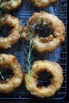 """Turn Delicata Squash into Crispy """"Onion Rings""""  Delicious Links"""