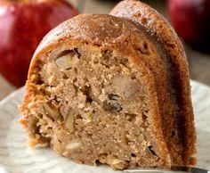 Tout simplement le meilleur gâteau aux pommes et aux noix de Grenoble. Il est pratiquement impossible à manquer!