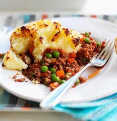 Made this Quorn cottage pie yesterday for Sunday dinner for myself and my boyfriend, and it was so yummy! I didn't use Worcestershire sauce, but I did add a good splash of red wine - yummm!