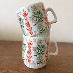 Porcelain, Mugs, Retro, Tableware, Porcelain Ceramics, Dinnerware, Tumblers, Tablewares, Mug