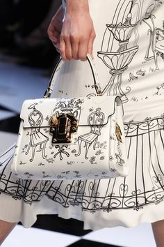That purse tho... See detail photos for Dolce & Gabbana Fall 2016 Ready-to-Wear collection.