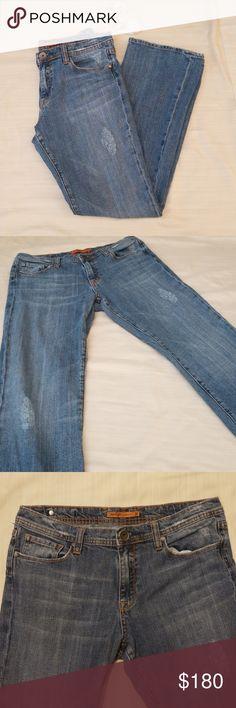 """Vertigo Paris Jeans Vertigo Paris lightly disressed stretch jeans in size 13/14. 32"""" waist x 33"""" length. 98% cotton 2% spandex. EUC [B3]  🛍 Click on [BUNDLE] and save! Add your """"likes"""" to a bundle and I will send you a great deal! 🛍 Vertigo Paris Jeans Straight Leg"""