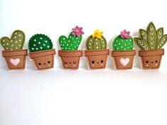 Felt cacti brooches - handmade brooch, choose your favourite design. Spilla cactus in feltro, scegli il tuo design によく似た商品を Etsy で探す Felt Crafts Diy, Felt Diy, Fabric Crafts, Sewing Crafts, Sewing Projects, Crafts For Kids, Cactus Craft, Felt Decorations, Brooches Handmade