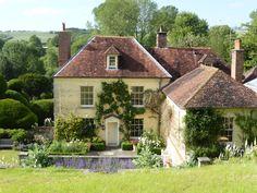 Reddish House Chalke Valley, Wiltshire, England. Early 18thC. Image: Pentreath & Hall Inspiration Blog.