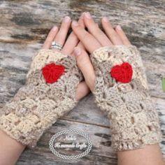 Fingerless Gloves with Heart pattern