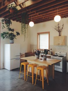Kitchen space of the studio designed by Jason Leonard. Links to purchase featured items:  Stools: http://amzn.to/2nI6HIc   Lights: http://amzn.to/2mGM2SX