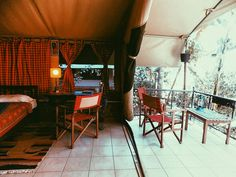Check out @anga_afrika luxury tents. Perfect stay for your Nairobi travels. Link in Bio. . . . #loveandroaddiaries #lifewelltravelled…