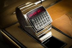 Did Hewlett-Packard Design the World's First Smartwatch?: There's no doubt that smartwatches are a viable tool in the evolution of technology, especially as Men's Watches, Retro Watches, Vintage Watches, Cool Watches, Watches For Men, Wearable Device, Wearable Technology, Led Watch, Mens Sport Watches
