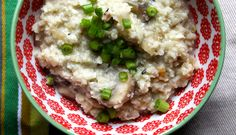 """Cheesy Cauliflower """"Rice"""" Risotto with Mushrooms 