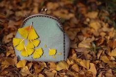 wool felted bag wool kiss clock clasp chain purse coin pouch gift needle felting by PandaJHandmade on Etsy https://www.etsy.com/listing/279671066/wool-felted-bag-wool-kiss-clock-clasp